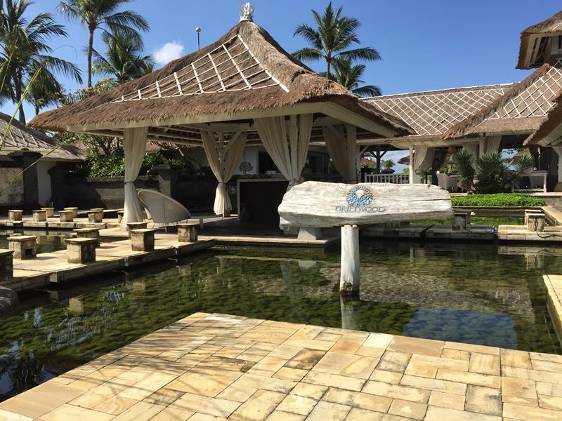 海に浮かぶタナロット寺院の隣!パン パシフィック ニルワナ バリ リゾート